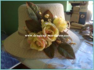 šešir žuti