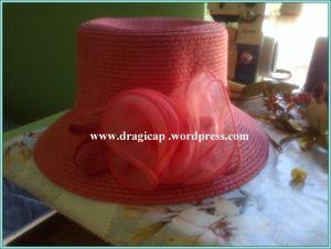 šešir crveni  osnovni izgled