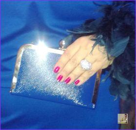 plava haljina akcesoris